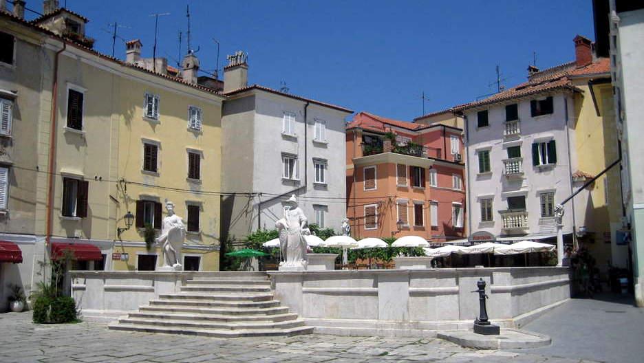Piazza 1° Maggio Pirano